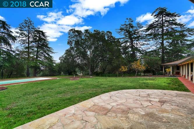 515 VINE HILL WAY, MARTINEZ, CA 94553  Photo