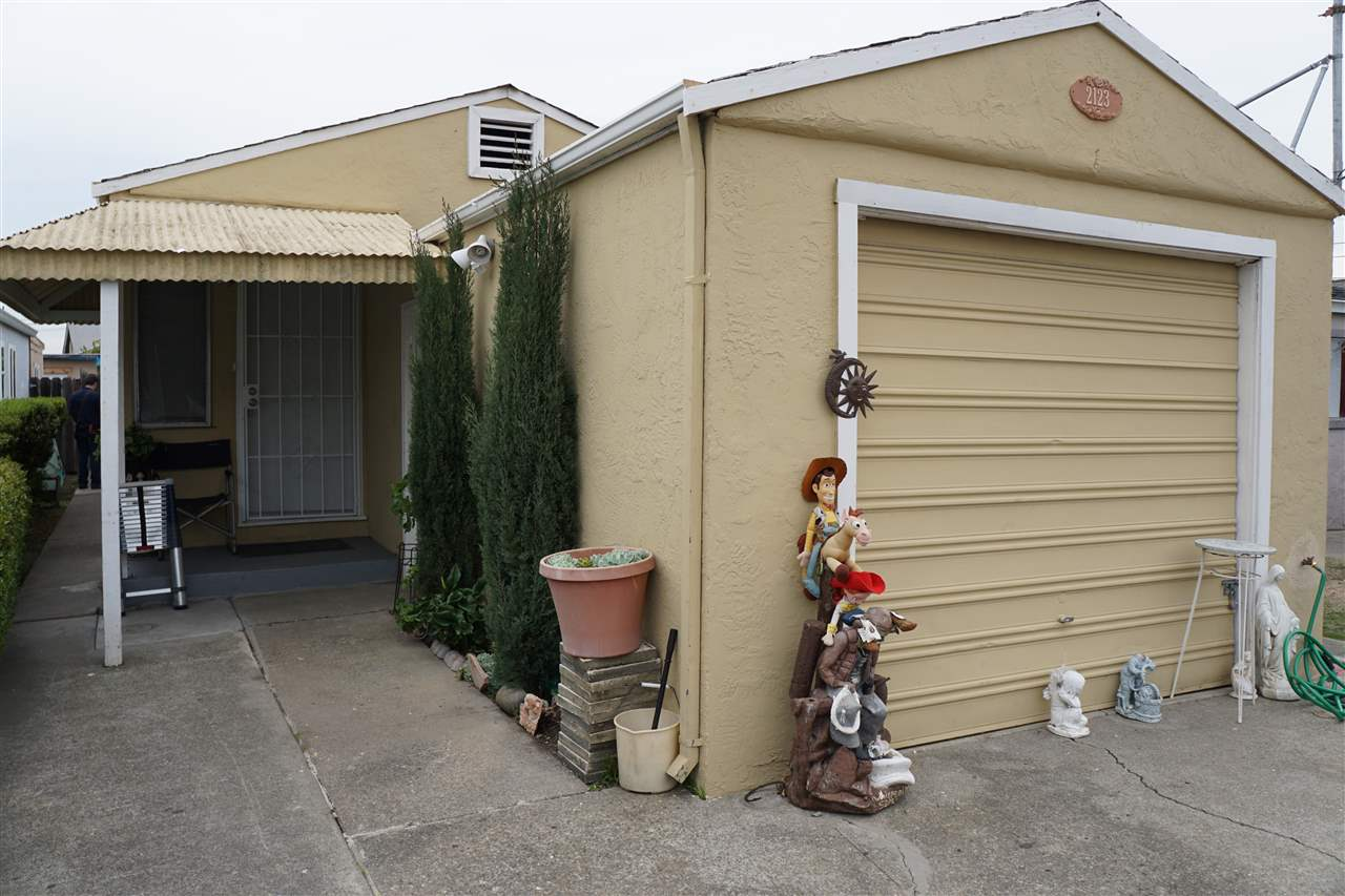 Buying or Selling OAKLAND Real Estate, MLS:40806632, Call The Gregori Group 800-981-3134