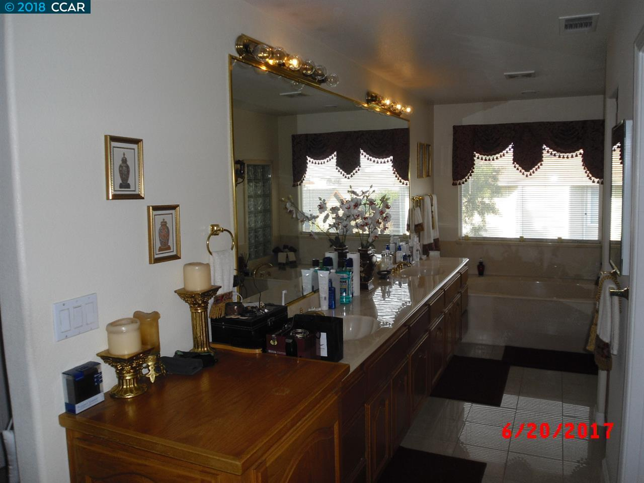 Additional photo for property listing at 126 Meadow Court 126 Meadow Court Oakley, California 94561 United States