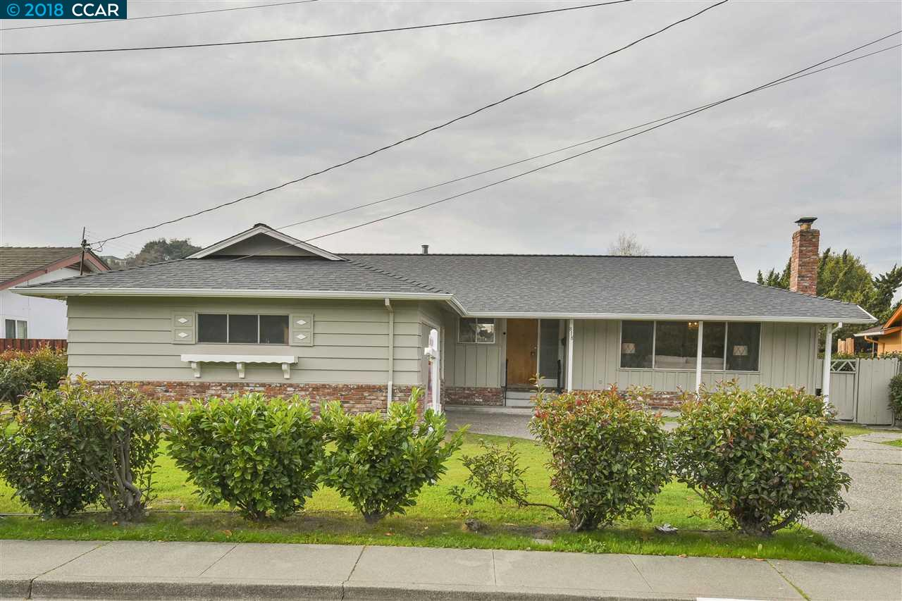 Single Family Home for Sale at 818 Vaqueros Avenue 818 Vaqueros Avenue Rodeo, California 94572 United States