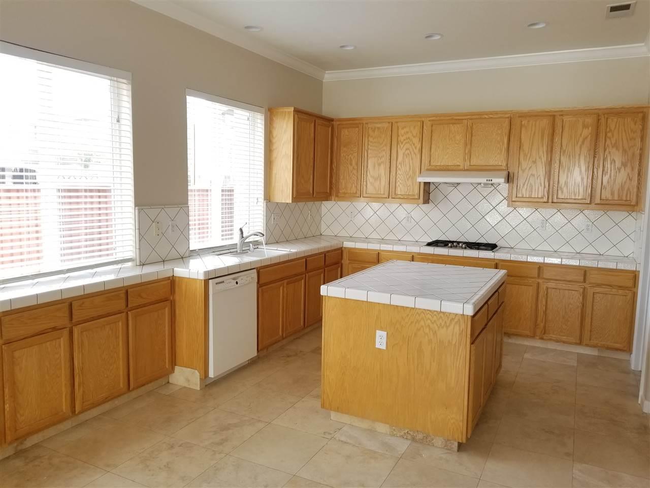 Casa Unifamiliar por un Alquiler en 201 Dorchester Court 201 Dorchester Court Discovery Bay, California 94505 Estados Unidos