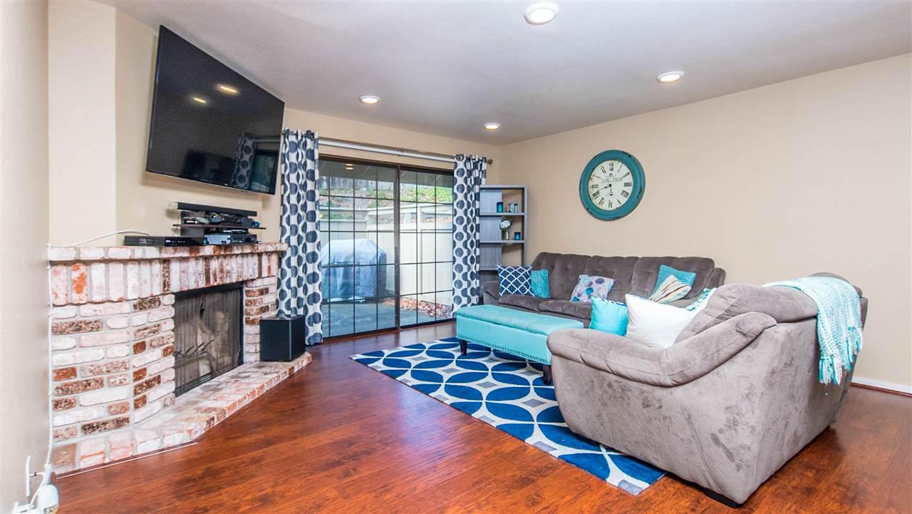 多棟聯建住宅 為 出售 在 24737 Garwood Glen Drive 24737 Garwood Glen Drive Hayward, 加利福尼亞州 94544 美國