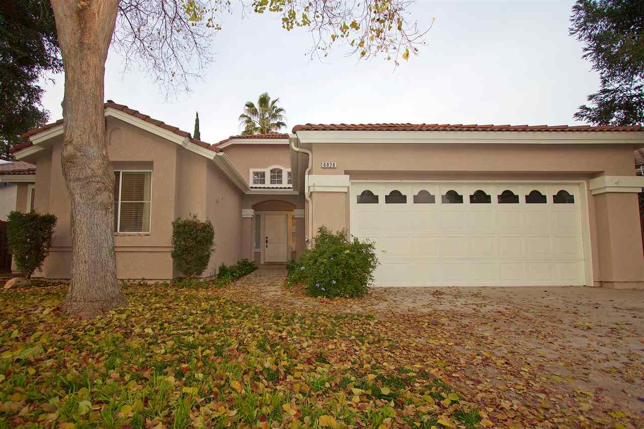 獨棟家庭住宅 為 出售 在 6026 W Fir 6026 W Fir Fresno, 加利福尼亞州 93722 美國