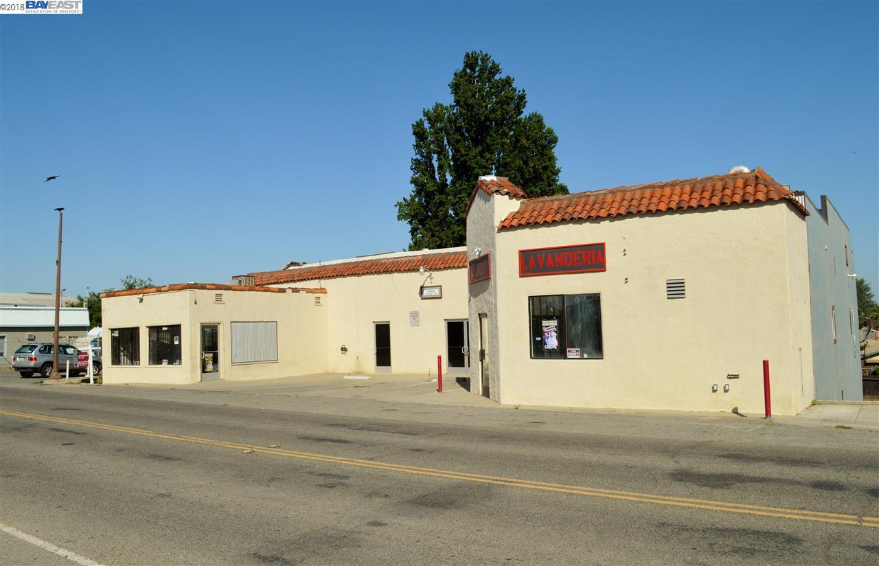 Commercial للـ Sale في 14164 River Road 14164 River Road Walnut Grove, California 95690 United States