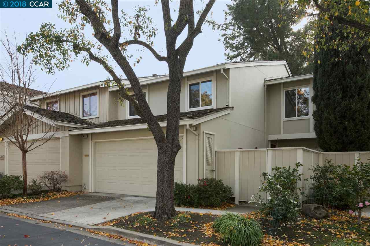 Casa unifamiliar adosada (Townhouse) por un Venta en 211 Whitney Court 211 Whitney Court Walnut Creek, California 94598 Estados Unidos