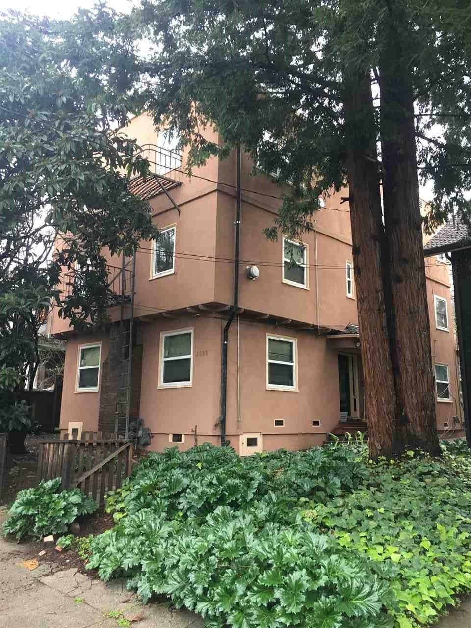 Maison avec plusieurs logements pour l Vente à 2535 Piedmont 2535 Piedmont Berkeley, Californie 94704 États-Unis