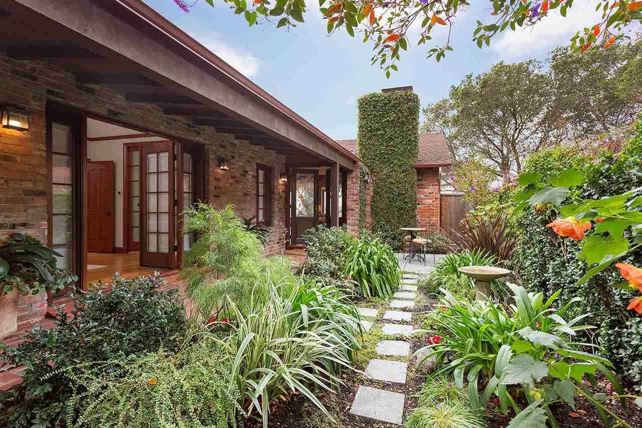 واحد منزل الأسرة للـ Sale في 200 Arlington Avenue 200 Arlington Avenue Kensington, California 94707 United States