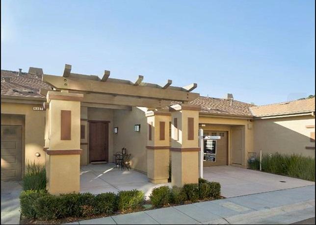Casa unifamiliar adosada (Townhouse) por un Venta en 6305 Rocky Point Court 6305 Rocky Point Court Oakland, California 94605 Estados Unidos