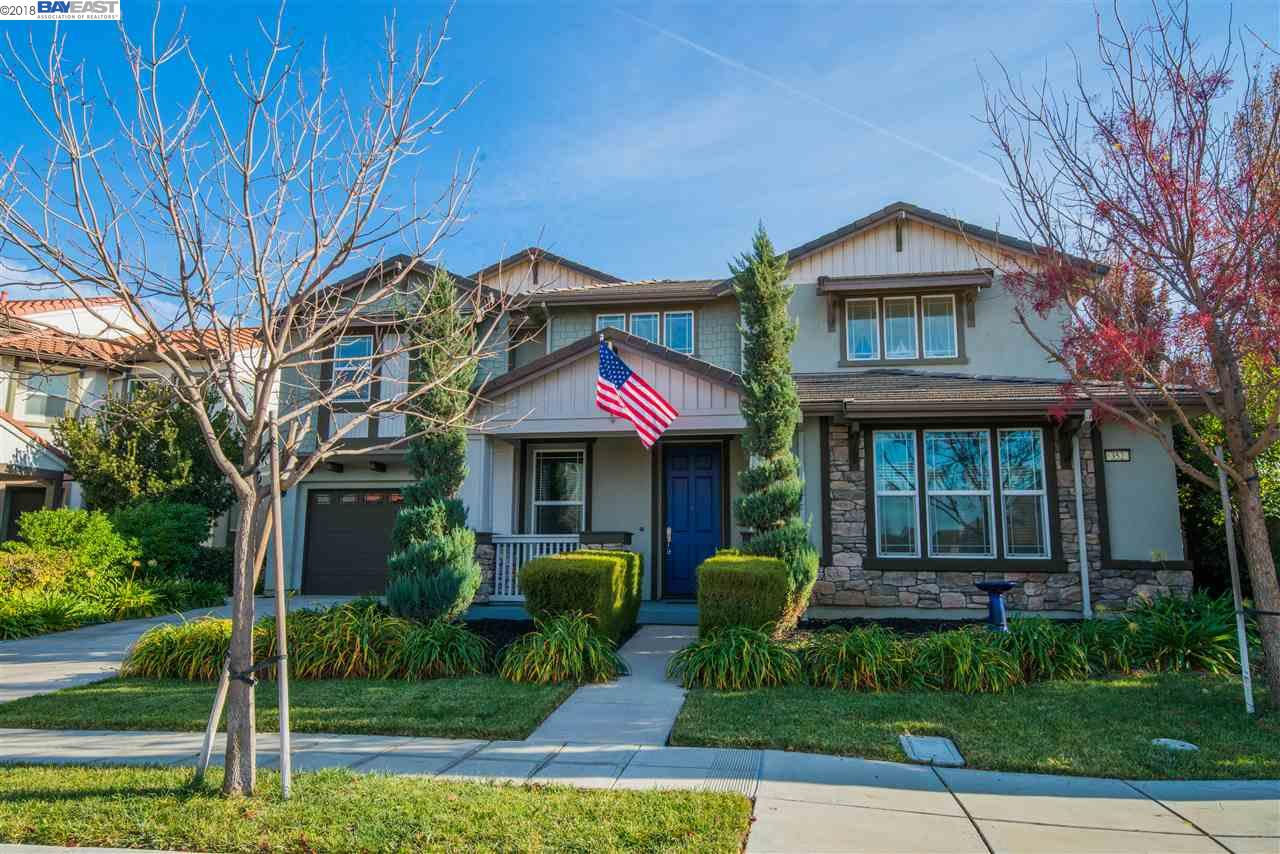 Single Family Home for Sale at 352 N Alta Dena Street 352 N Alta Dena Street Mountain House, California 95391 United States