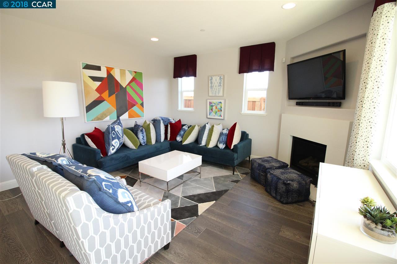 Einfamilienhaus für Verkauf beim 2581 Modena Drive 2581 Modena Drive Pittsburg, Kalifornien 94565 Vereinigte Staaten