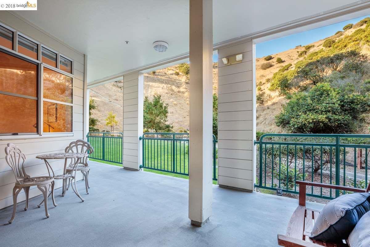 Condominio por un Venta en 1400 Pinnacle Court 1400 Pinnacle Court Richmond, California 94801 Estados Unidos