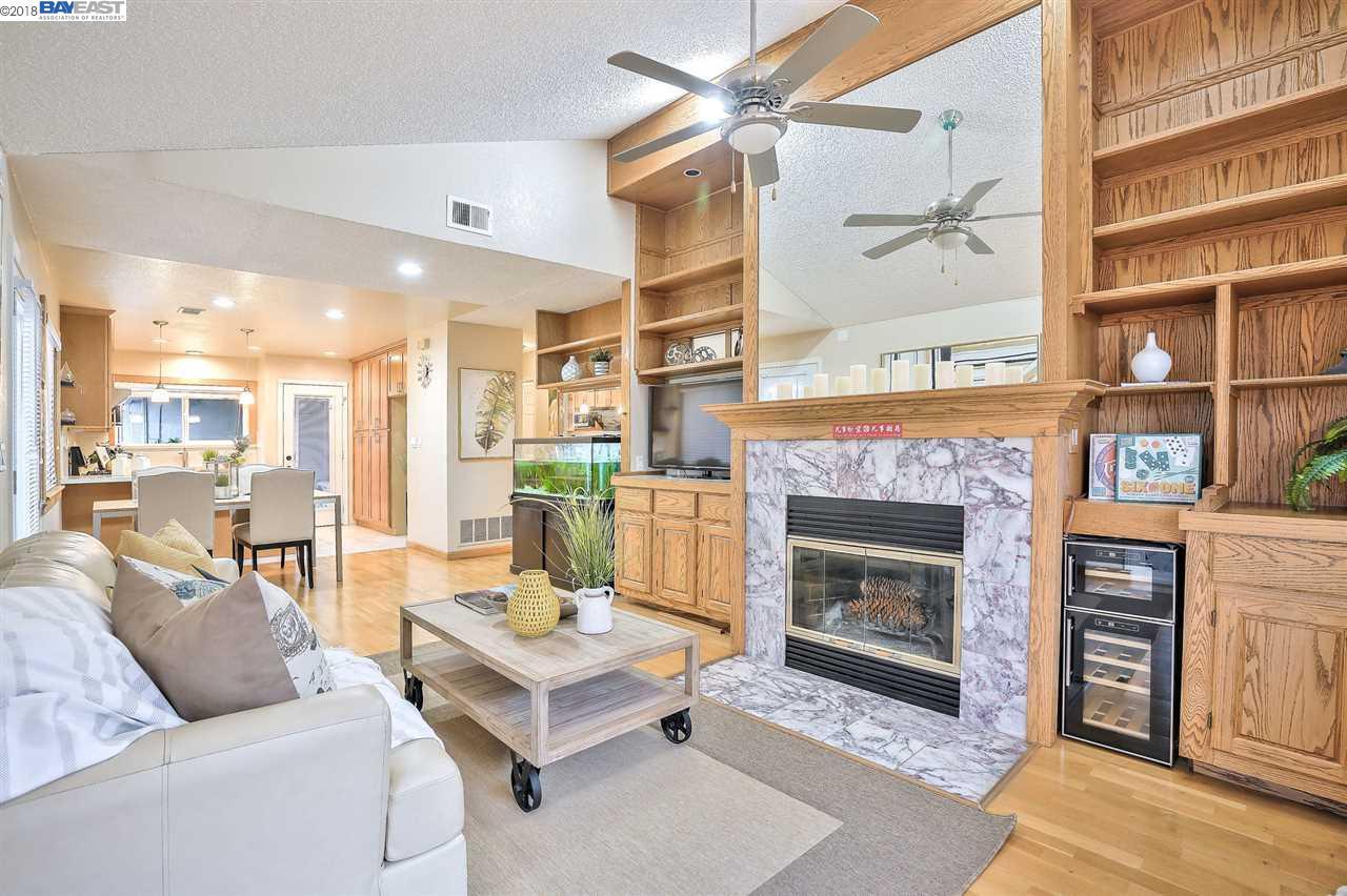 Maison unifamiliale pour l Vente à 37903 Essanay Place 37903 Essanay Place Fremont, Californie 94536 États-Unis