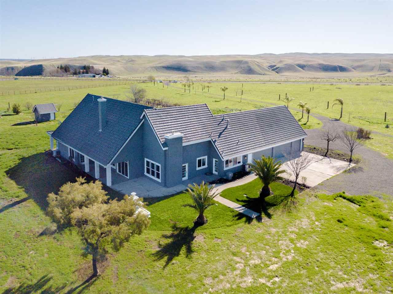 Single Family Home for Sale at 22090 Arburua 22090 Arburua Los Banos, California 93635 United States