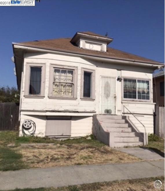 Maison unifamiliale pour l Vente à 1045 83Rd Avenue 1045 83Rd Avenue Oakland, Californie 94621 États-Unis