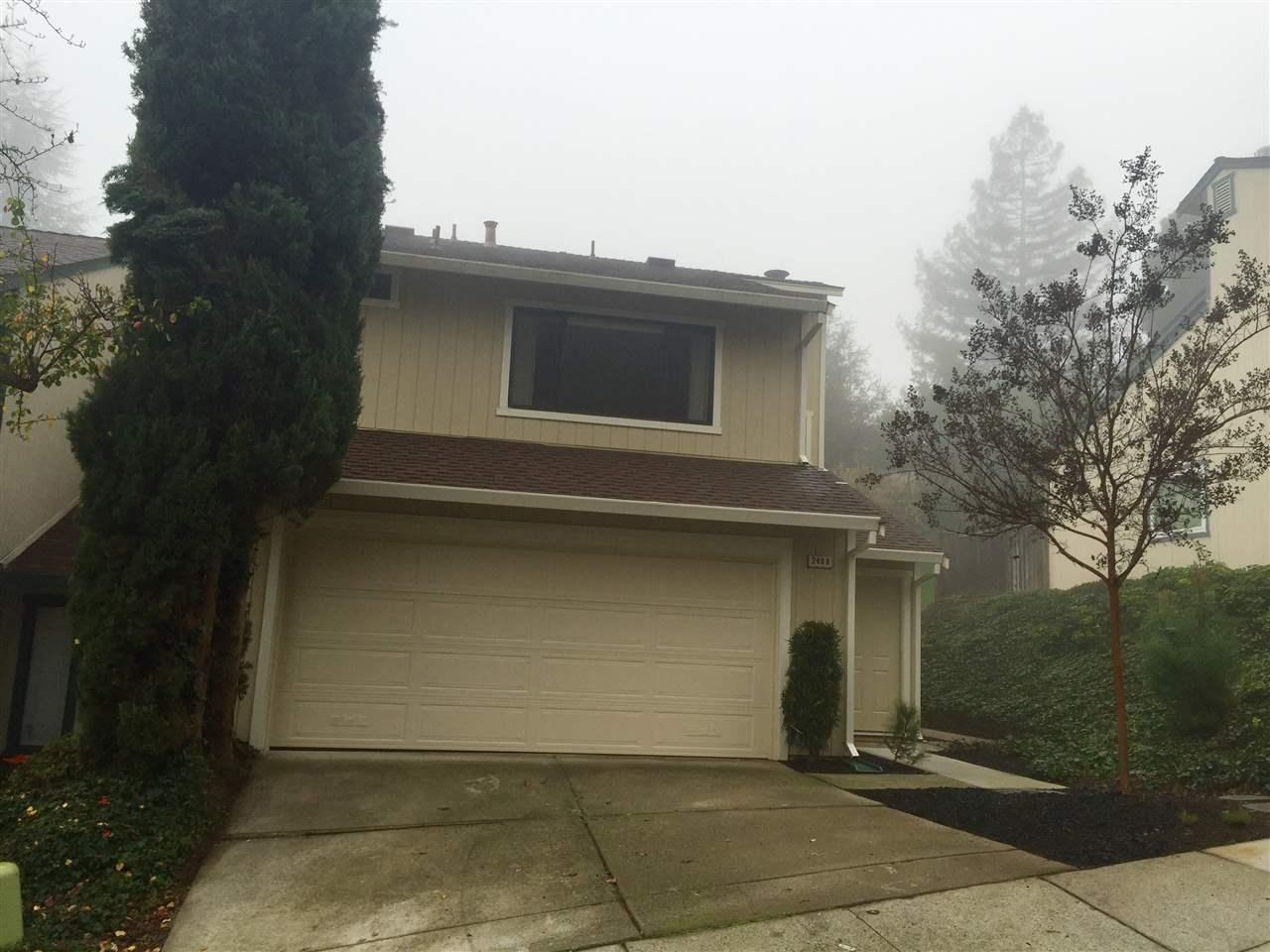 Appartement en copropriété pour l Vente à 2408 Heatherleaf 2408 Heatherleaf Martinez, Californie 94553 États-Unis