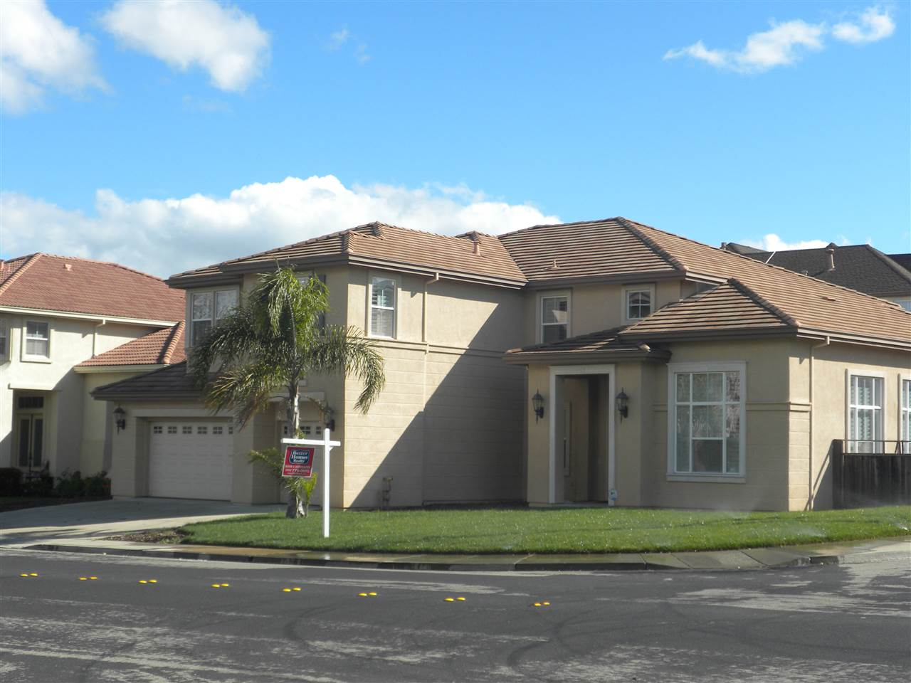 واحد منزل الأسرة للـ Sale في 1932 Mokelumne Drive 1932 Mokelumne Drive Antioch, California 94531 United States