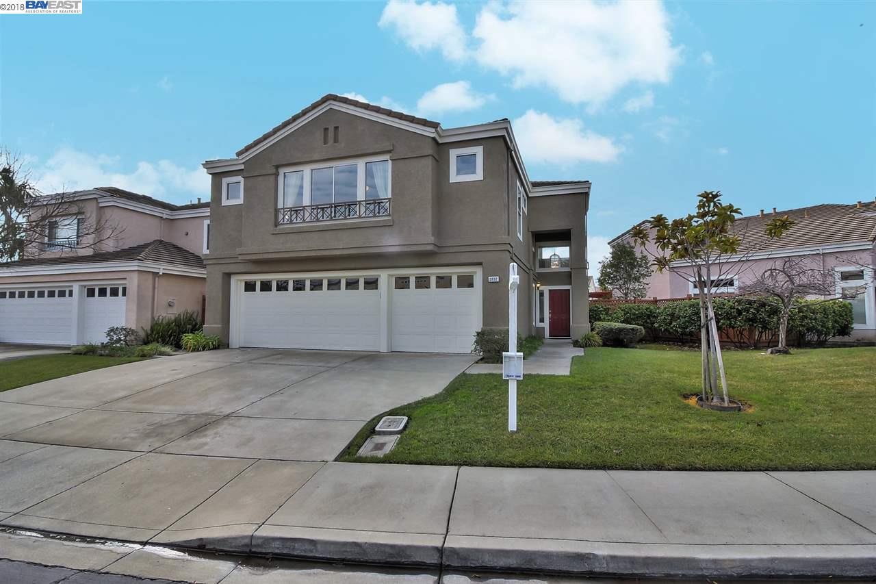 獨棟家庭住宅 為 出售 在 2832 Cortina Way 2832 Cortina Way Union City, 加利福尼亞州 94587 美國