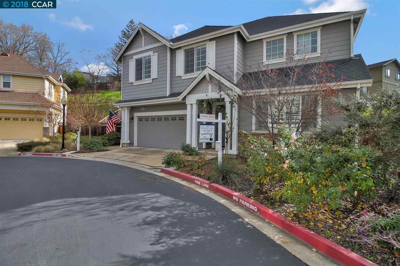 Maison unifamiliale pour l Vente à 6026 Mitchell Creek Place 6026 Mitchell Creek Place Clayton, Californie 94517 États-Unis