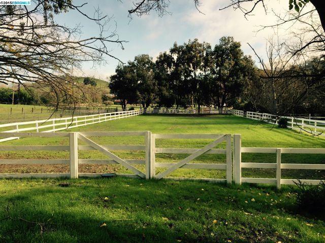 Einfamilienhaus für Mieten beim 1610 LAWRENCE Road 1610 LAWRENCE Road Danville, Kalifornien 94506 Vereinigte Staaten