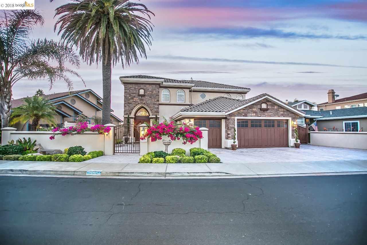 واحد منزل الأسرة للـ Sale في 5603 Driveakes Drive 5603 Driveakes Drive Discovery Bay, California 94505 United States