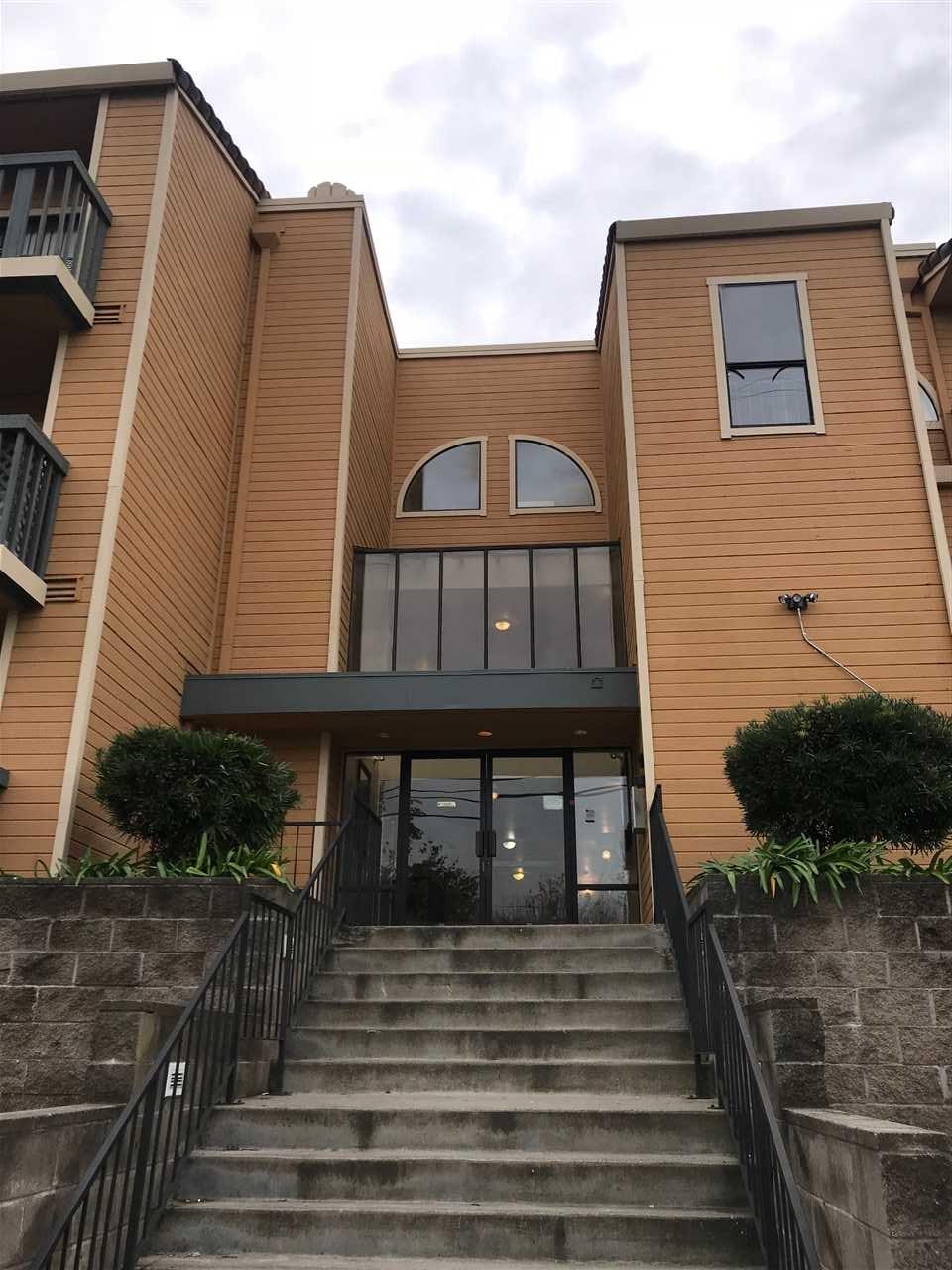 شقة بعمارة للـ Sale في 13700 San Pablo Avenue 13700 San Pablo Avenue San Pablo, California 94806 United States