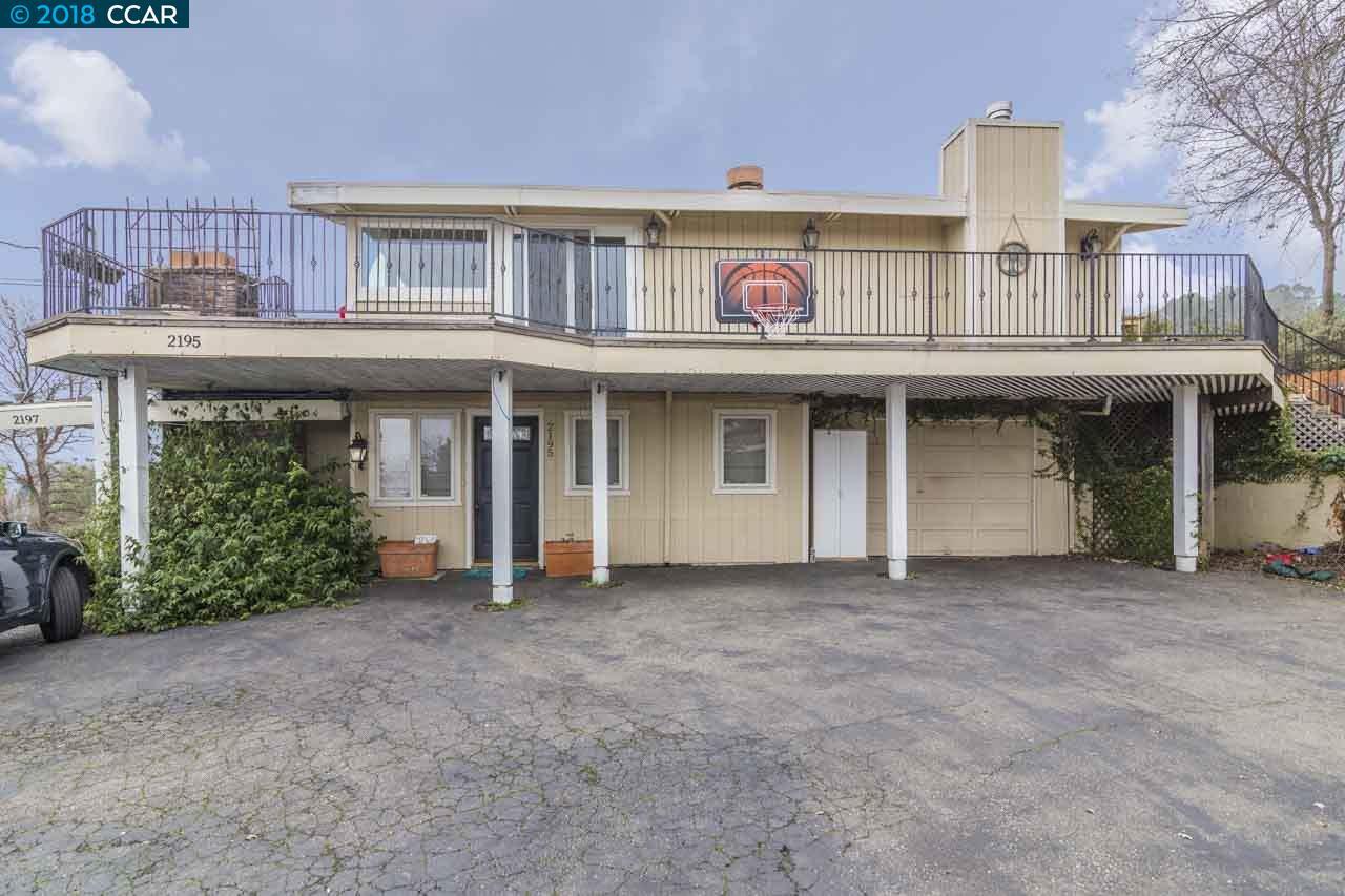Casa Multifamiliar por un Venta en 2195 Overlook Drive 2195 Overlook Drive Walnut Creek, California 94597 Estados Unidos