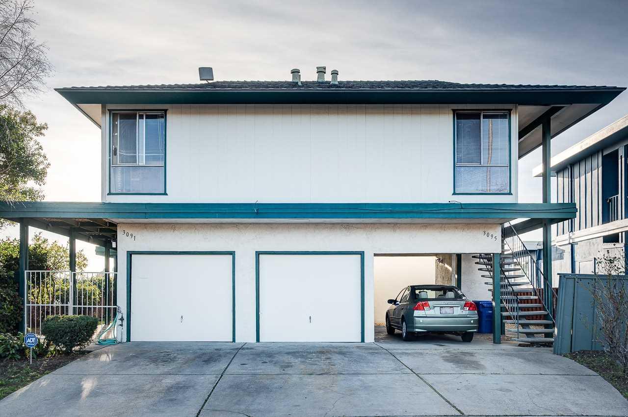 Casa Multifamiliar por un Venta en 3091- 3095 Birmingham Drive 3091- 3095 Birmingham Drive Richmond, California 94806 Estados Unidos