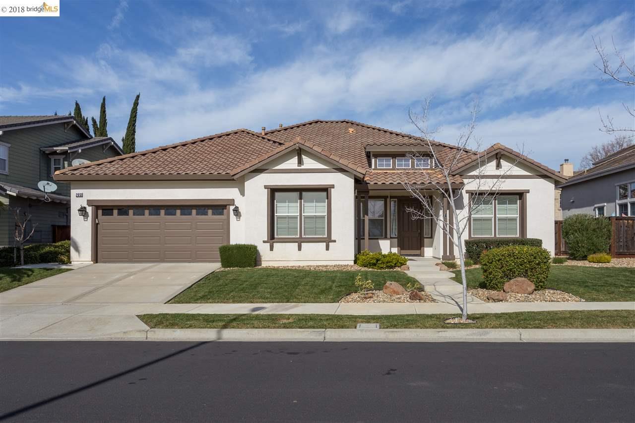 Частный односемейный дом для того Аренда на 2613 Presidio Drive 2613 Presidio Drive Brentwood, Калифорния 94513 Соединенные Штаты