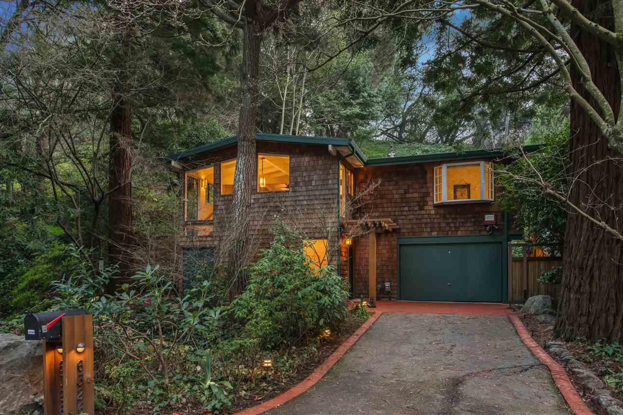 واحد منزل الأسرة للـ Sale في 6326 Thornhill Drive 6326 Thornhill Drive Oakland, California 94611 United States