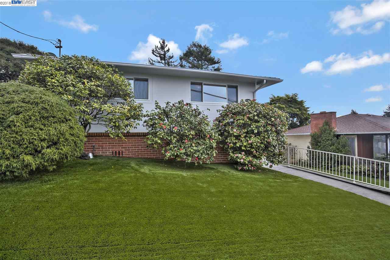 Maison unifamiliale pour l Vente à 5432 Barrett Avenue 5432 Barrett Avenue El Cerrito, Californie 94530 États-Unis