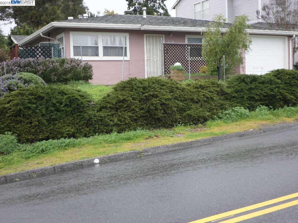 Single Family Home for Sale at 18989 CARLTON Avenue 18989 CARLTON Avenue Castro Valley, California 94546 United States