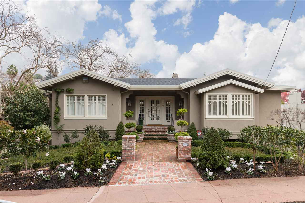 Casa Unifamiliar por un Venta en 120 Fairview Avenue 120 Fairview Avenue Piedmont, California 94610 Estados Unidos