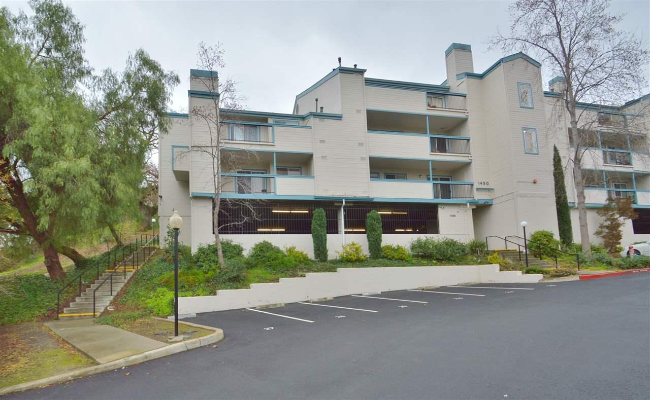 Appartement en copropriété pour l Vente à 1450 Bel Air Drive 1450 Bel Air Drive Concord, Californie 94521 États-Unis