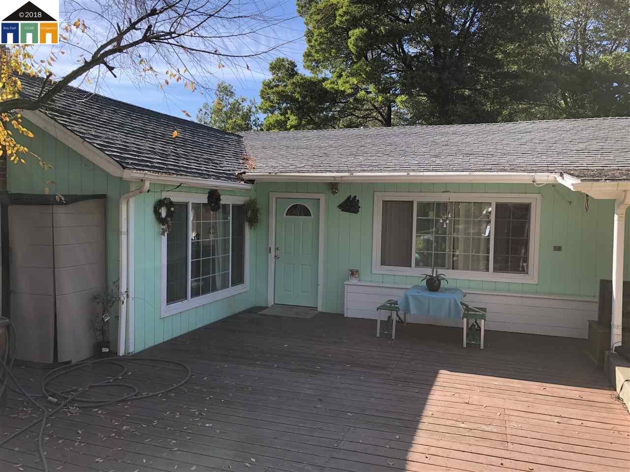 Single Family Home for Sale at 635 La Paloma Road 635 La Paloma Road El Sobrante, California 94803 United States