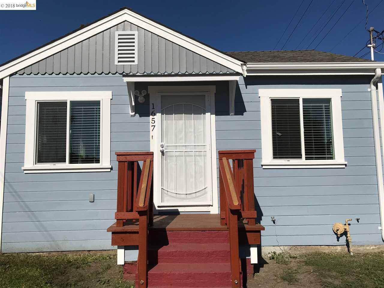Maison unifamiliale pour l Vente à 1657 90th Avenue 1657 90th Avenue Oakland, Californie 94603 États-Unis