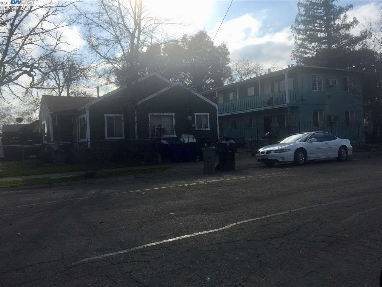 Casa Multifamiliar por un Venta en 796 Lampasas Avenue 796 Lampasas Avenue Sacramento, California 95815 Estados Unidos