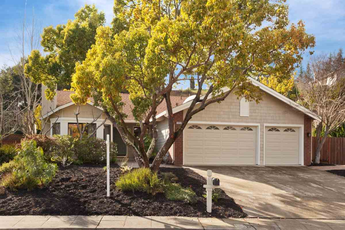 5115 FAIRHILL CT, OAKLAND, CA 94605