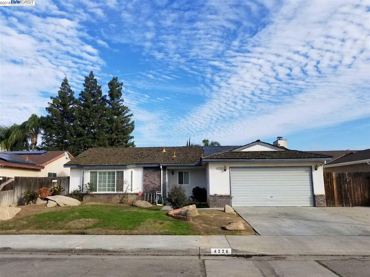 Single Family Home for Sale at 4226 N Constance Avenue 4226 N Constance Avenue Fresno, California 93722 United States