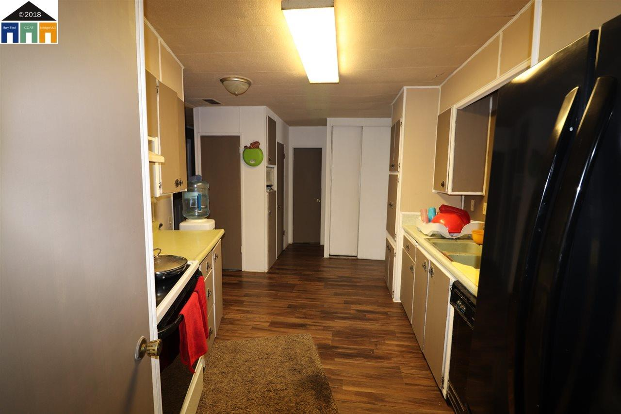 Casa Unifamiliar por un Venta en 20245 Third Avenue 20245 Third Avenue Stevinson, California 95374 Estados Unidos