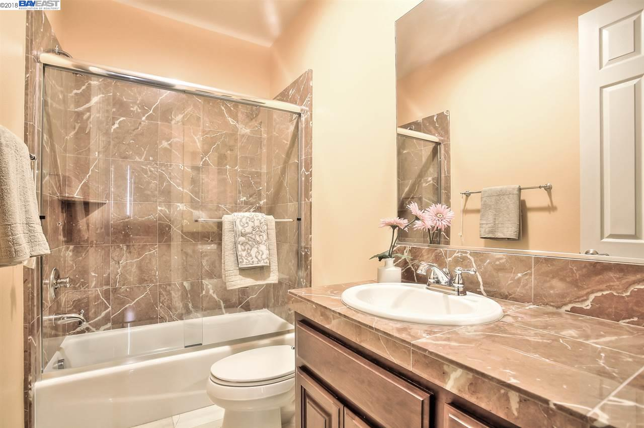 Additional photo for property listing at 527 Wycombe Court 527 Wycombe Court San Ramon, Kalifornien 94583 Vereinigte Staaten