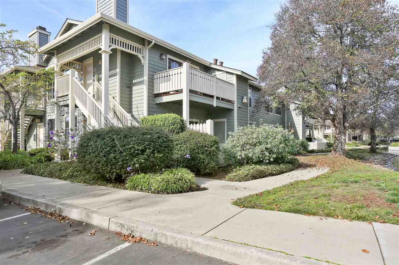 231 LAKESHORE CT, RICHMOND, CA 94804