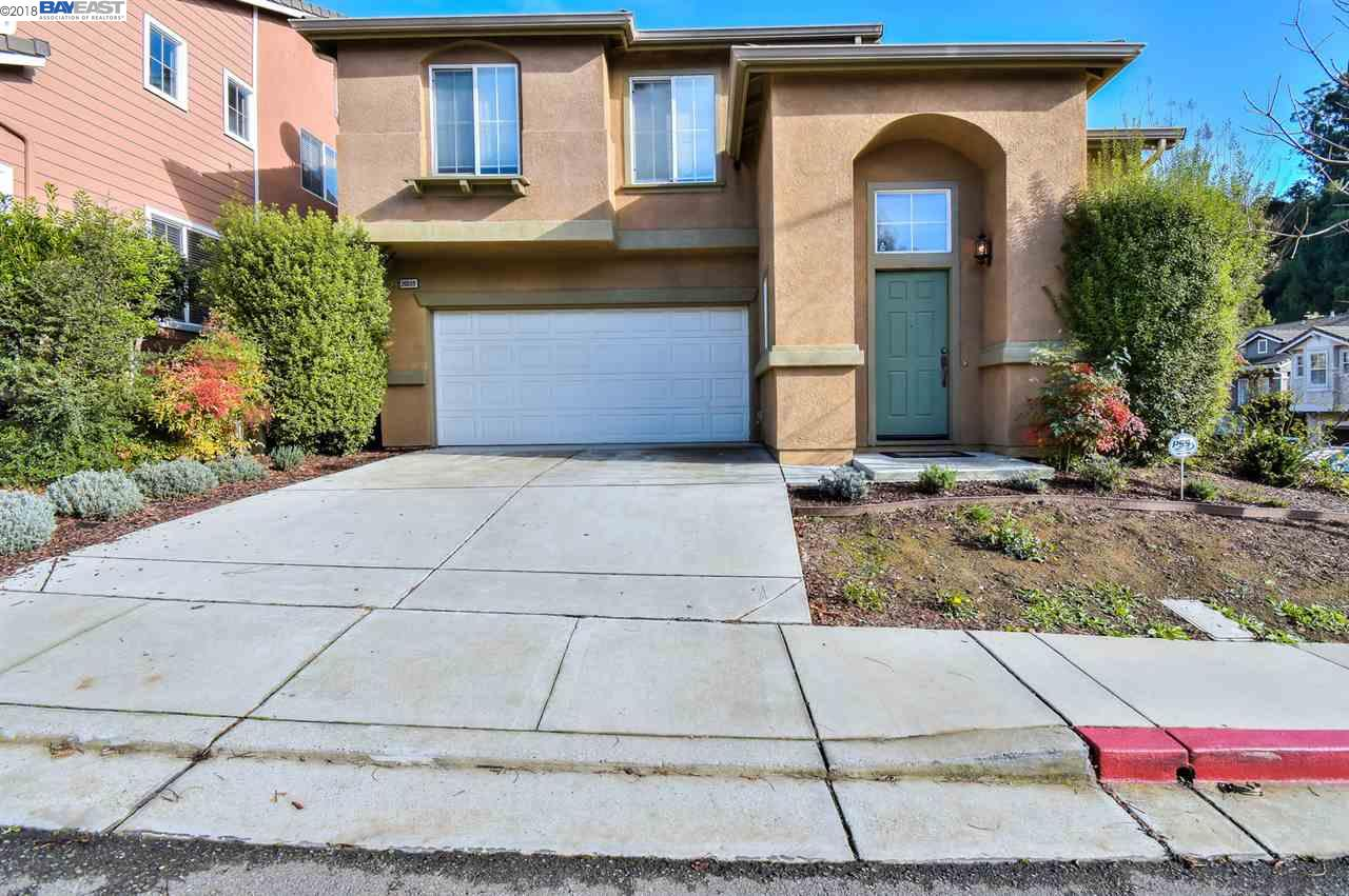 Single Family Home for Sale at 20009 Shadow Creek Circle 20009 Shadow Creek Circle Castro Valley, California 94552 United States