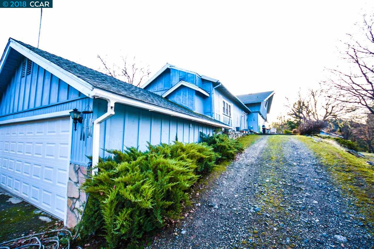 Single Family Home for Sale at 300 Victoria Lane 300 Victoria Lane Hayfork, California 96041 United States