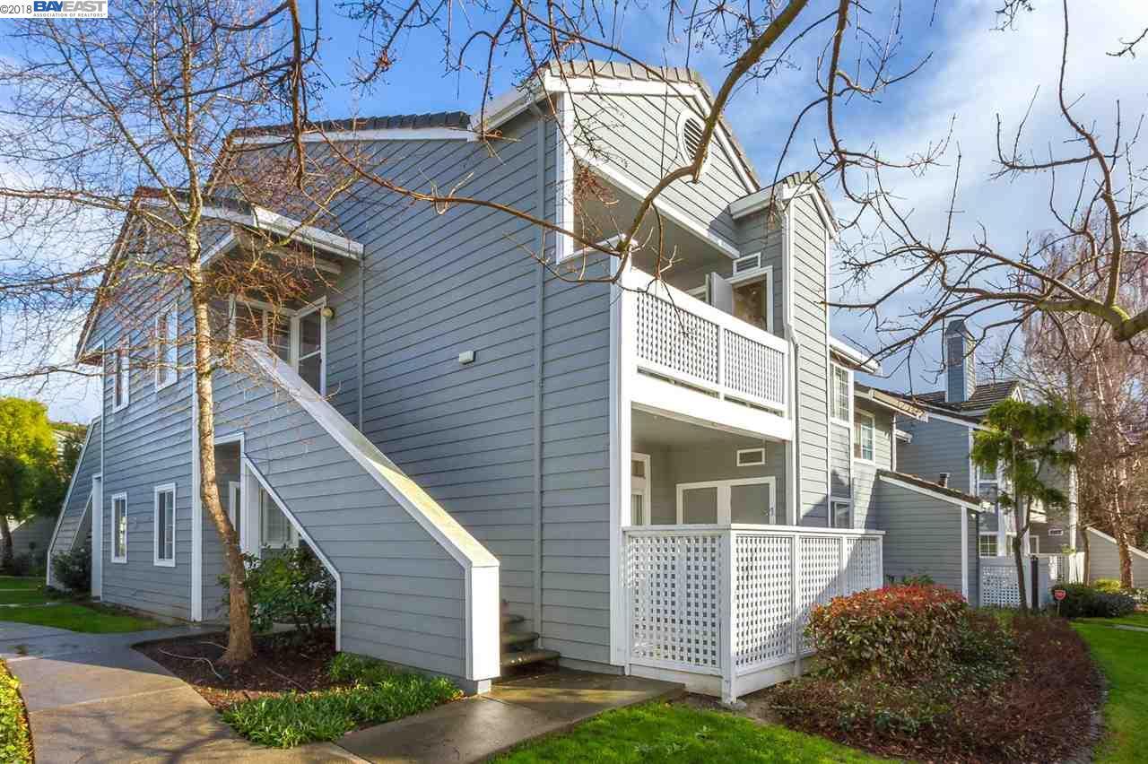 Condominio por un Venta en 710 Waterford Place 710 Waterford Place Pinole, California 94564 Estados Unidos