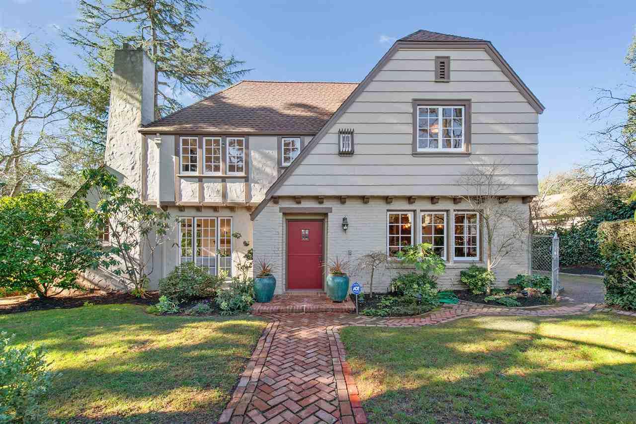 Частный односемейный дом для того Продажа на 298 Purdue Avenue 298 Purdue Avenue Kensington, Калифорния 94708 Соединенные Штаты