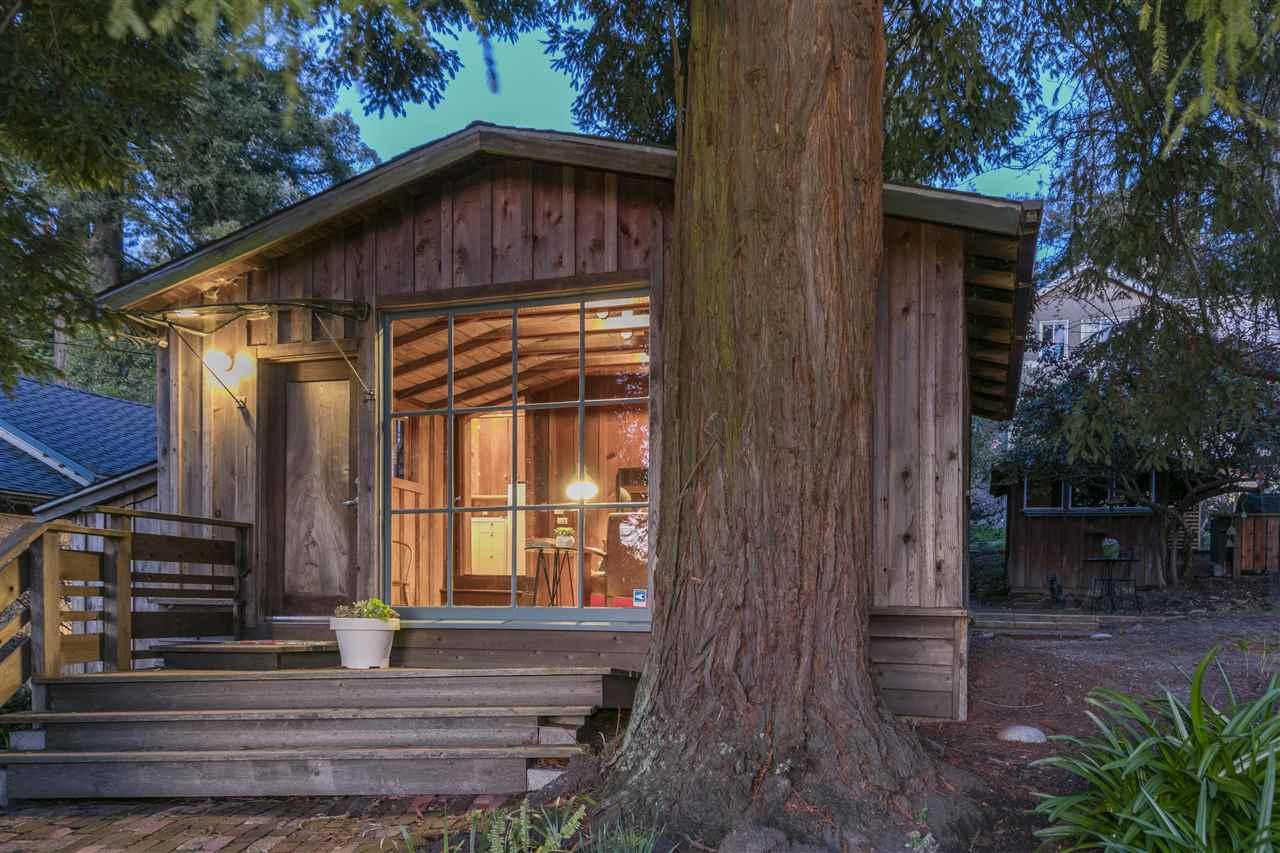 واحد منزل الأسرة للـ Sale في 2794 Shasta Road 2794 Shasta Road Berkeley, California 94708 United States