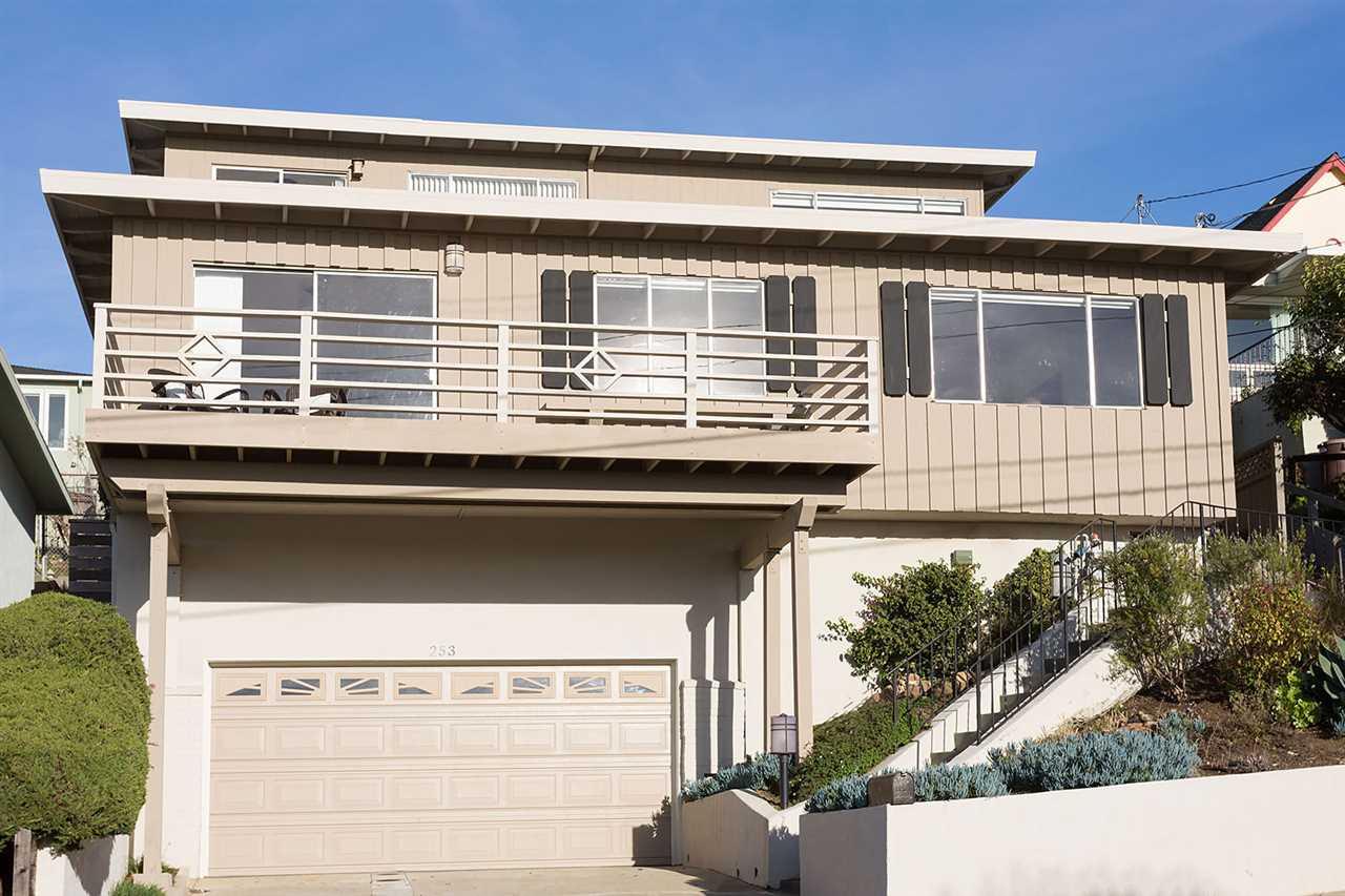 Частный односемейный дом для того Продажа на 253 Stanford Avenue 253 Stanford Avenue Kensington, Калифорния 94708 Соединенные Штаты