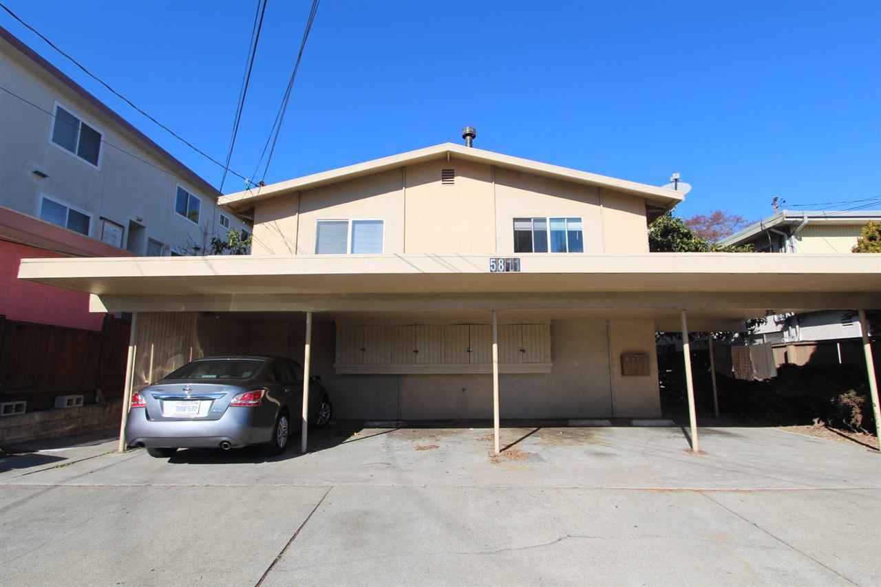 Maison avec plusieurs logements pour l Vente à 5811 El Dorado 5811 El Dorado El Cerrito, Californie 94530 États-Unis