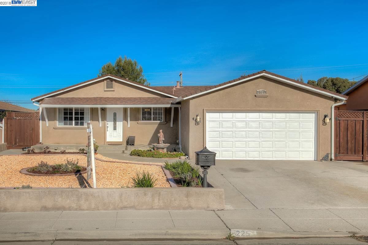 Maison unifamiliale pour l Vente à 225 Merrill Avenue 225 Merrill Avenue Fremont, Californie 94539 États-Unis