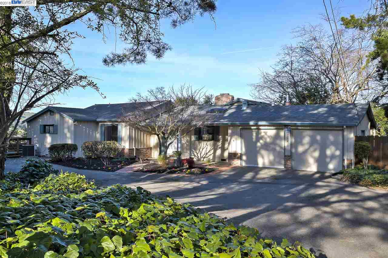 Частный односемейный дом для того Продажа на 3348 Carlyle Ter 3348 Carlyle Ter Lafayette, Калифорния 94549 Соединенные Штаты